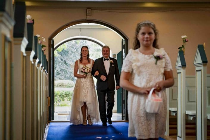 Brylluppet: Bryllupsfotografering i Højdevangskirken.